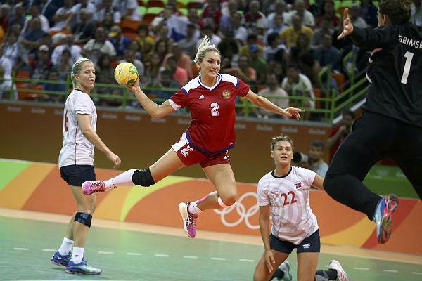Сборная России по гандболу в драматичном матче вырывает у Норвегии путевку в финал ОИ-2016